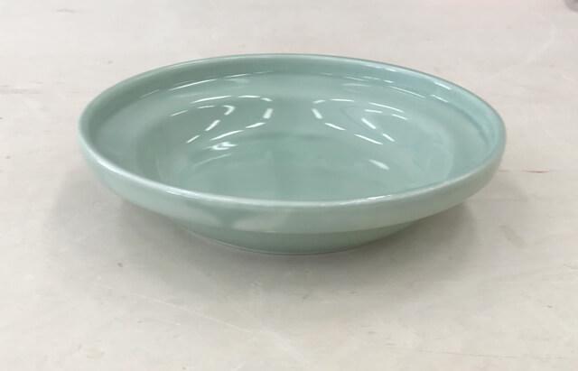 陶器の餌皿